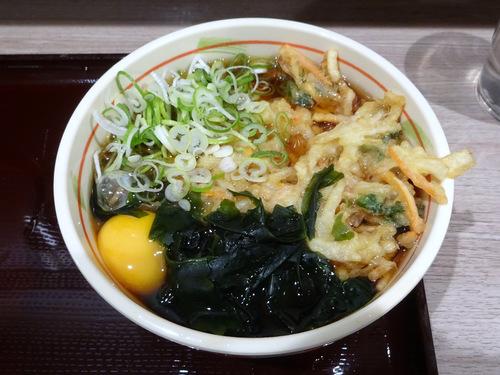狭山そば@所沢 (9)天ぷら玉子そば440たぬきそば330ちくわ天90.JPG