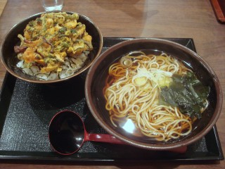 おかめ@五反田 ミニ山菜かき揚げ丼セット 670円 (5).JPG