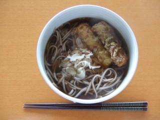 東京かじの 蕎麦湯の取れる十割そば 温ちくわ天.JPG