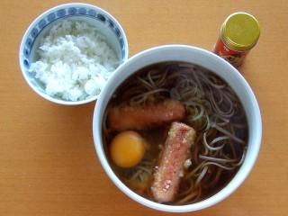 東京かじの蕎麦湯の取れる温+ソーセージ天.JPG