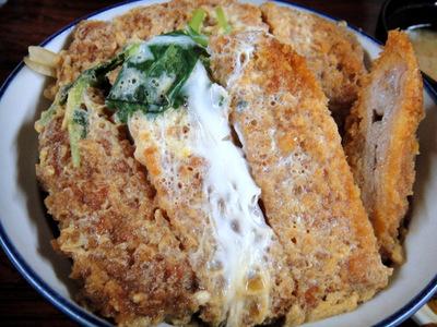 20110504 食事処いずみ@甲斐大泉パノラマの湯 (12) W煮カツ丼850.jpg
