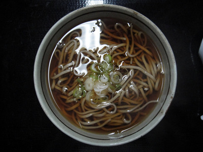 20110505 食事処いずみ@甲斐大泉パノラマの湯 (3) かけそば350.JPG