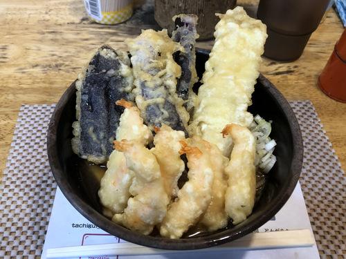 とんがらし@水道橋 (13)天ぷらもりあわせ温ひもかわ550.jpg