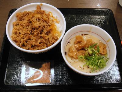 なか卯@大井町 (2) 和風牛丼大盛小とんこつうどん640円.JPG