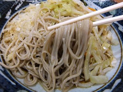 みとう庵@流通センター(8)野菜炒めそば(冷)450鶏天100.JPG