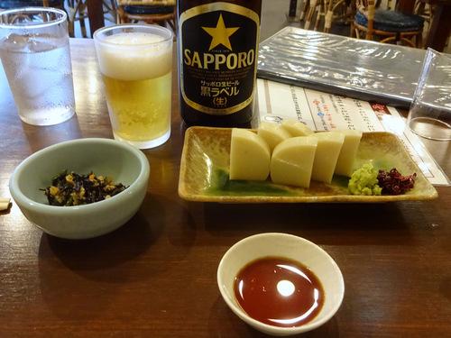よし田@銀座 (10)瓶ビール700板わさ900コロッケそば1050.JPG