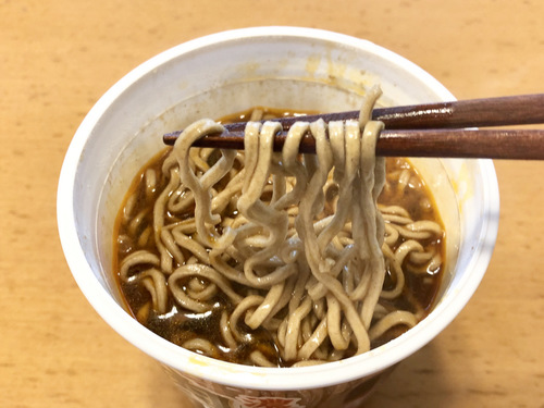 エースコック@大阪府 (14)濃いつゆラー油肉そば厚切太麺.jpg