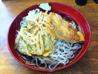 山田製麺所@入谷(3)なす天細うどん380ごぼう天120.JPG
