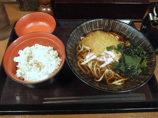 嵯峨谷@水道橋(3)(小)あじ御飯セット温たぬきそば細麺480.JPG