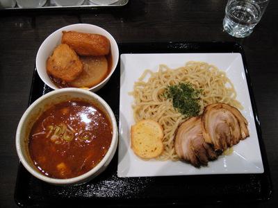 龍馬灯@大門 (6) 鰹アラビアータ/中華麺 800円、おでん各種.JPG