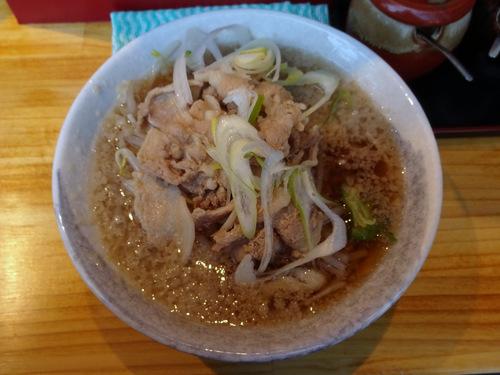 NAMIKI@中野 (5)背脂入り肉そば500os.JPG
